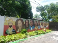 Jamaika = rambut rasta + cimeng?